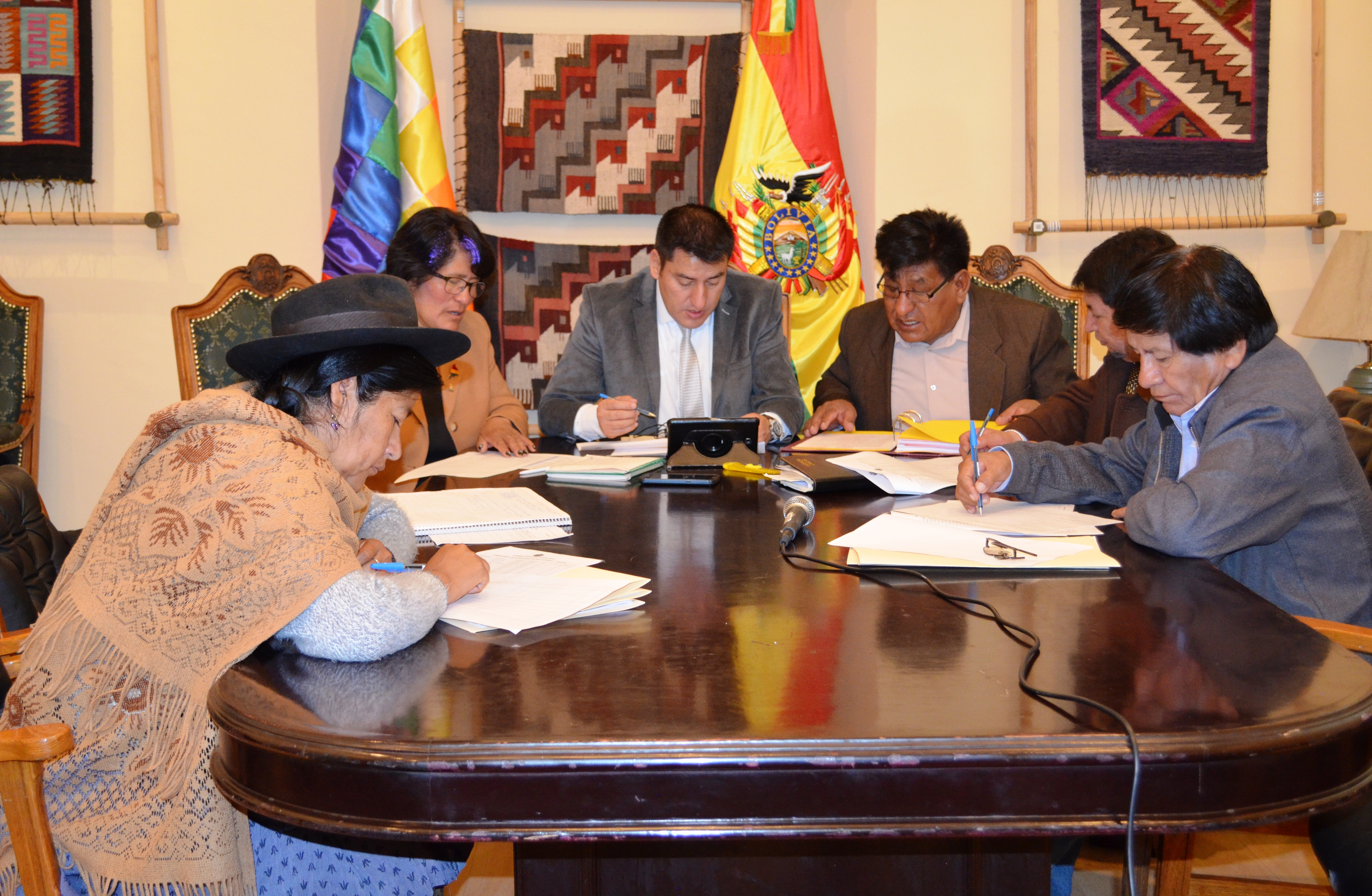 Comisión de Planificación inicia verificación de cumplimiento de requisitos de postulantes a Contralor en dos subcomisiones