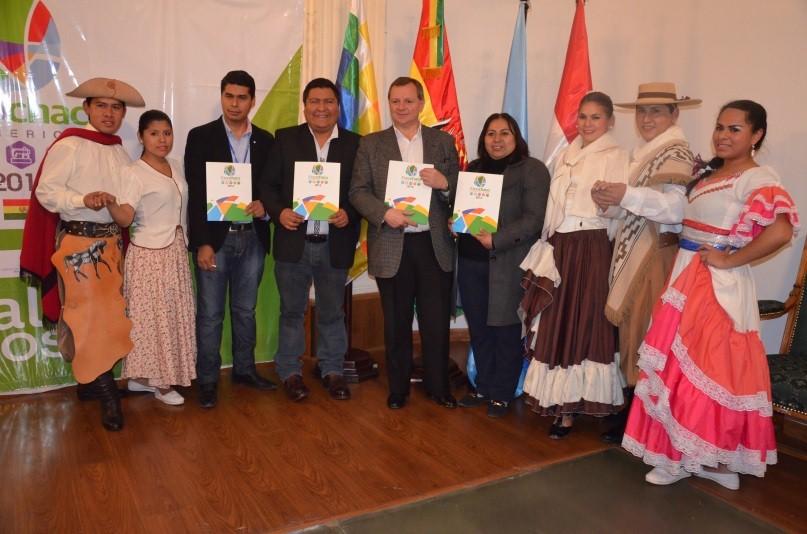"""Inicia Feria """"Expo Chaco Sudamericano 2016"""" desde el Senado"""