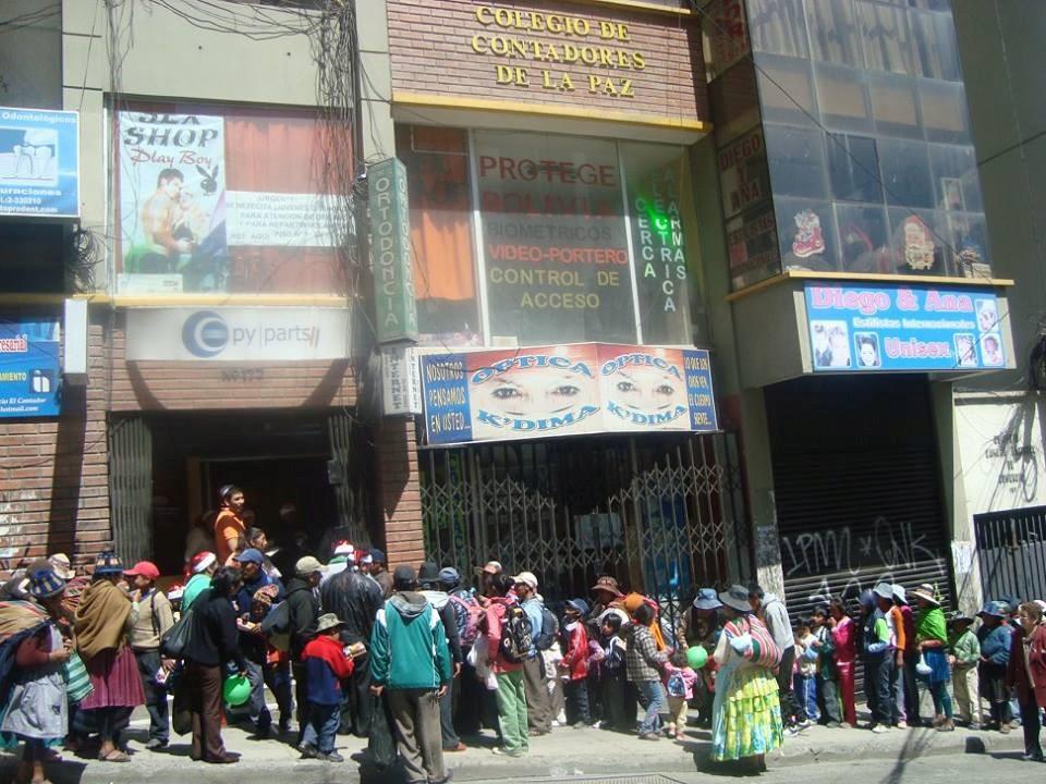 Senado rinde homenaje al Colegio de Contadores de La Paz por su 70 aniversario