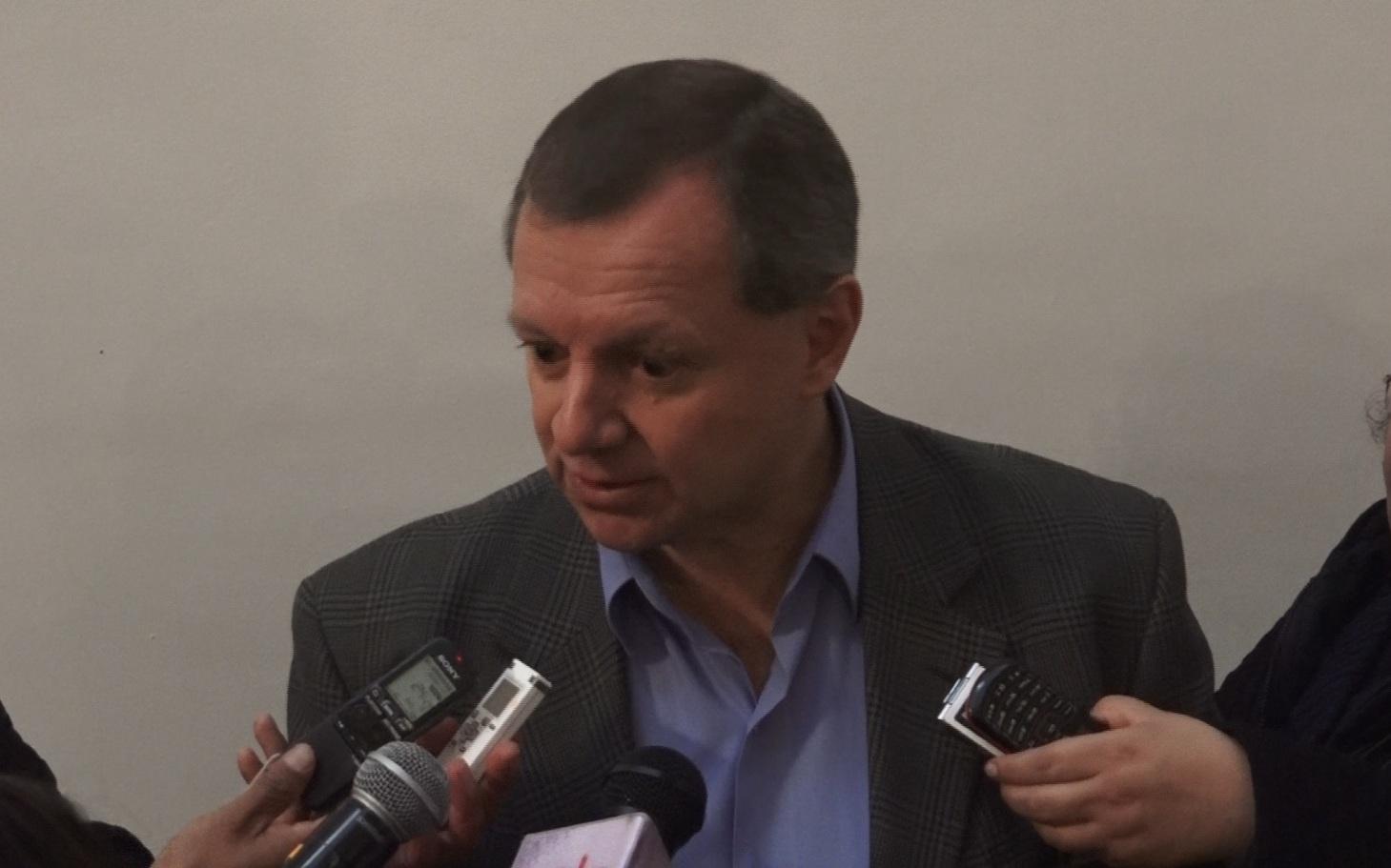 Gonzales confirma visita a puertos chilenos