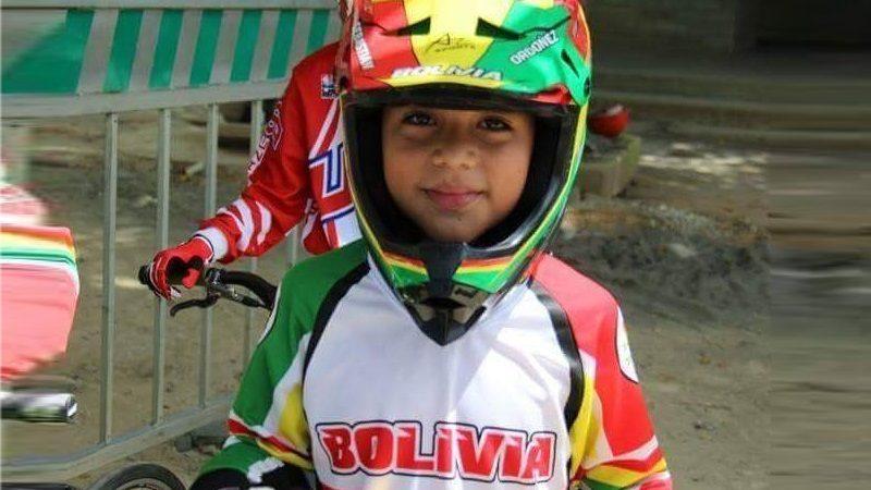Homenajean a niño Sebastián Ordóñez que logró el Campeonato Mundial de Bicicross