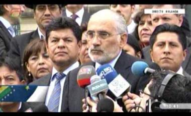 Embedded thumbnail for Gonzales afirma que el técnico del equipo de la demanda marítima es Evo Morales