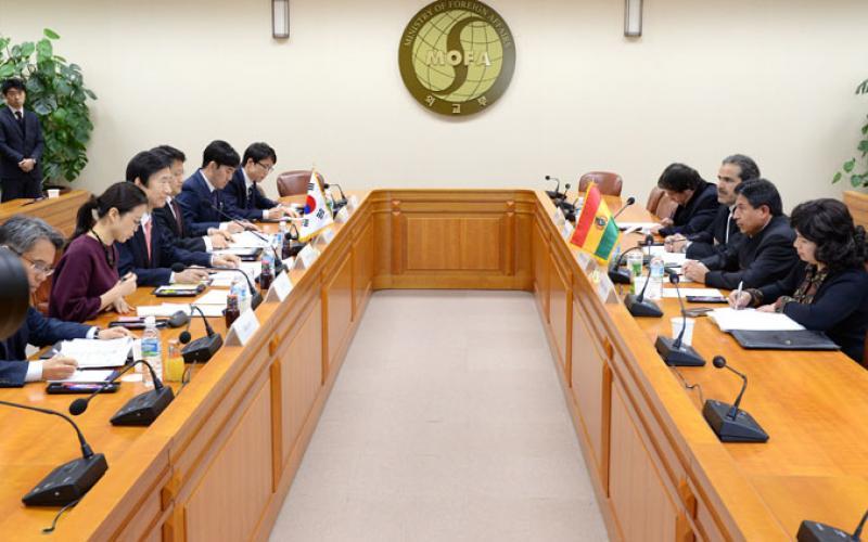 Senado celebra 51 años de relaciones diplomáticas entre Bolivia y Corea